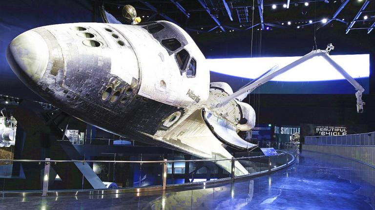Kennedy Space Center avec guide francophone et transport (3-11 ans)