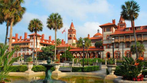 Visite de St.Augustine avec guide francophone et transport (6-12 ans)